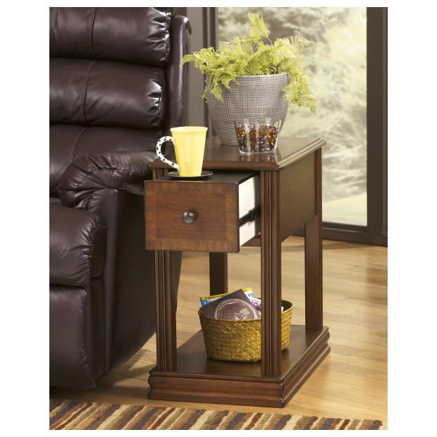 Ashley Furniture   T007-527