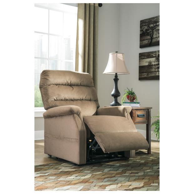 Ashley Furniture   7460312
