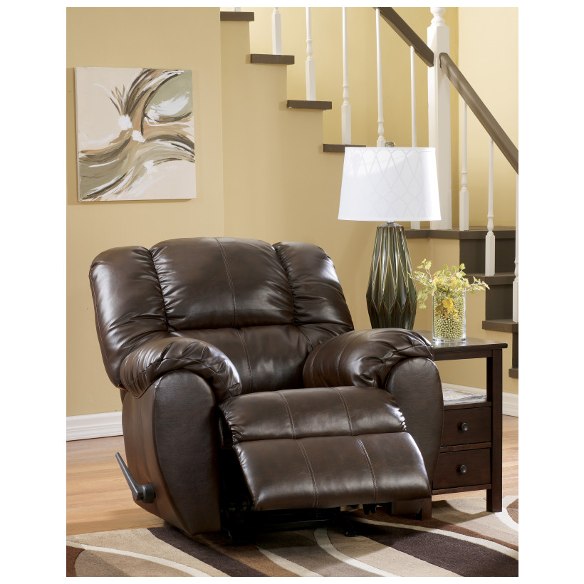 Ashley Furniture   7060325