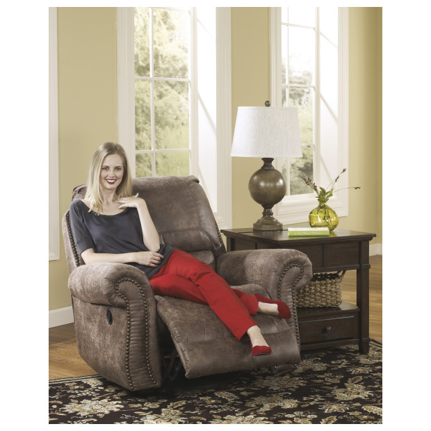 Ashley Furniture   7410061