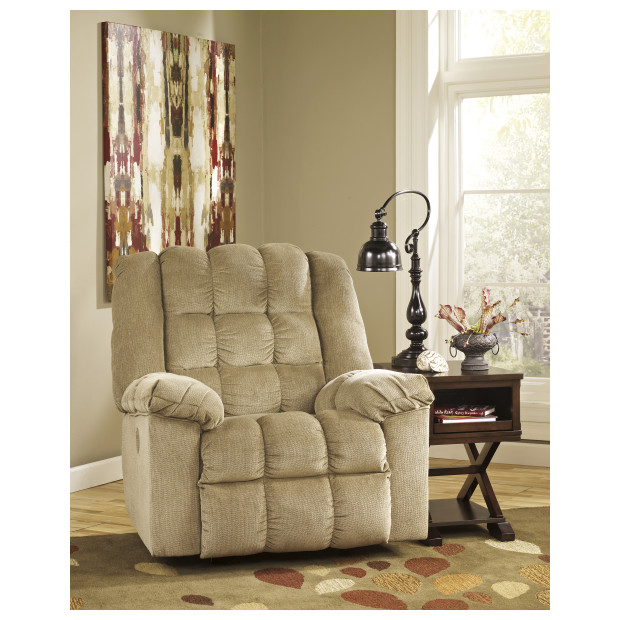 Ashley Furniture   8110398