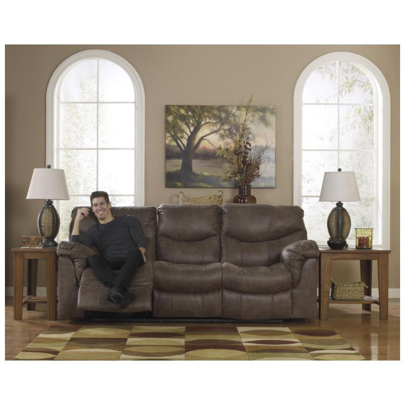 Ashley Furniture   7140088