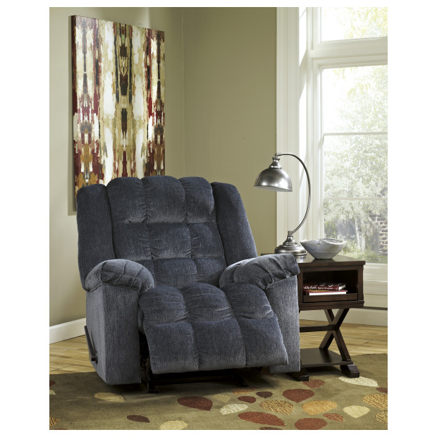 Ashley Furniture   8110525