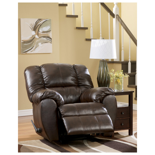 Ashley Furniture   7060325