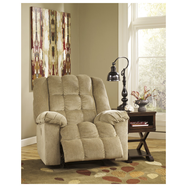 Ashley Furniture   8110325