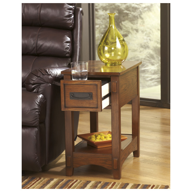 Ashley Furniture   T007-319